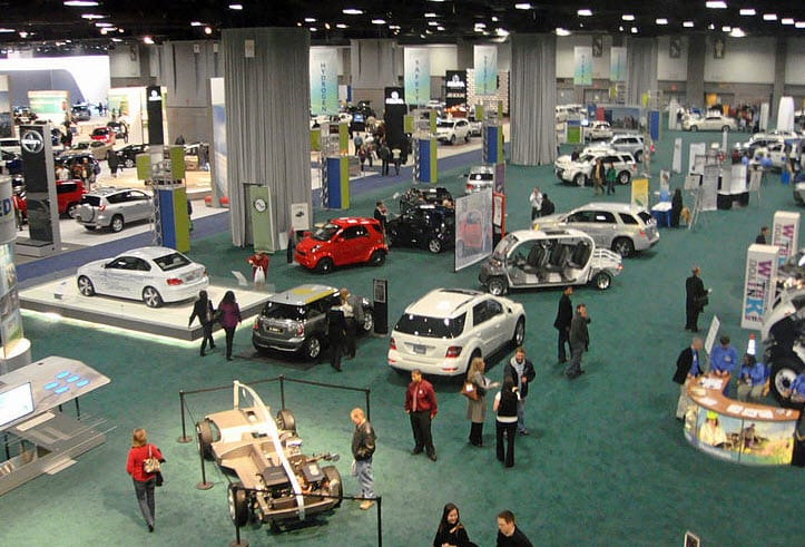 Washington Auto Show serves as foundation for talks between the auto industry and U.S. government