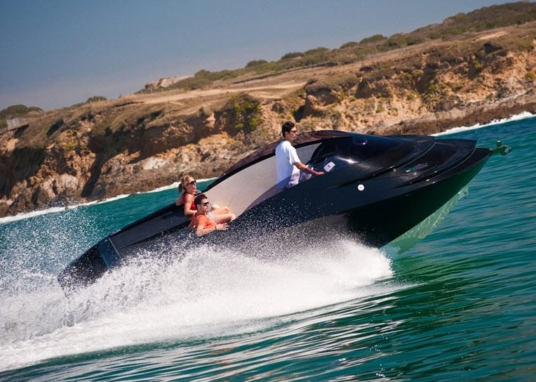 Luxury Sea announces new hydrogen-powered watercraft that gets its energy from sea water