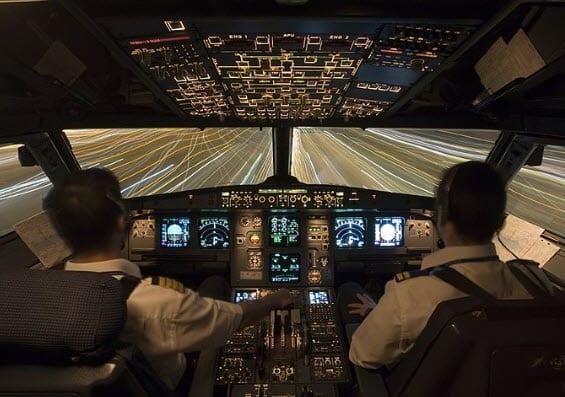 Airbus A320 cockpit - PEM fuel cells