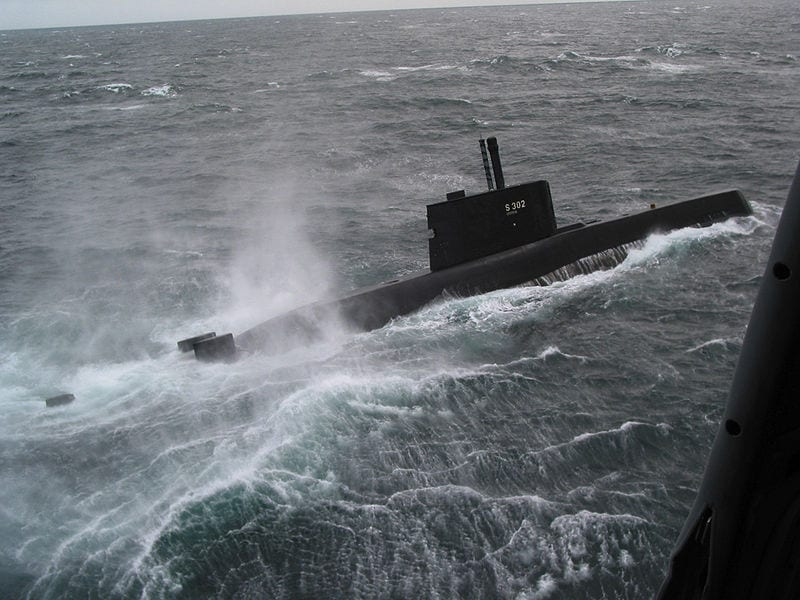 Hydrogen fuel cells may power future submarines