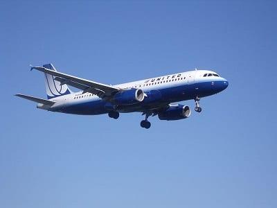 Biofuels - United Airlines Plane