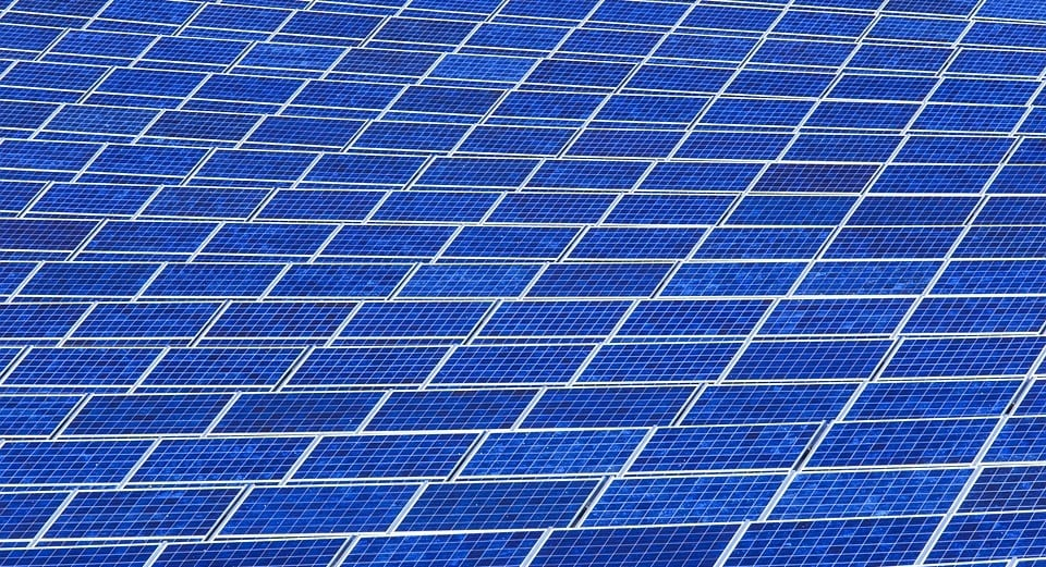 Japan to build world's largest floating solar energy farm