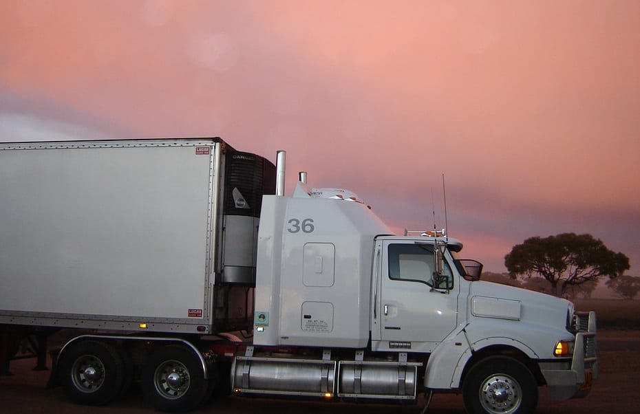 Toyota to test freight truck equipped with hydrogen fuel cells in California