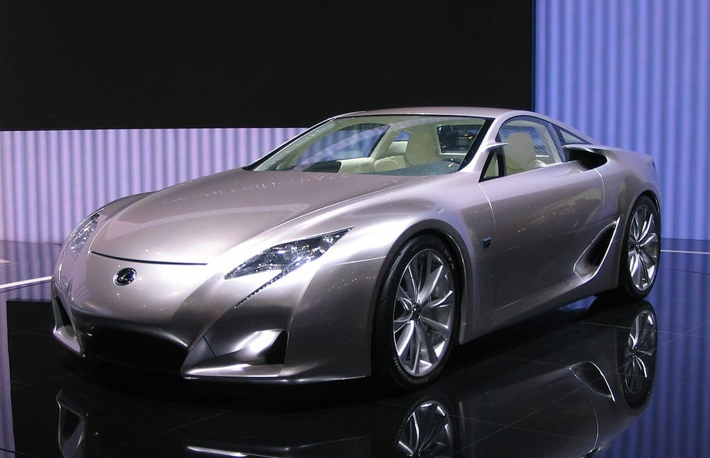 Lexus may be setting its sights on hydrogen fuel cells