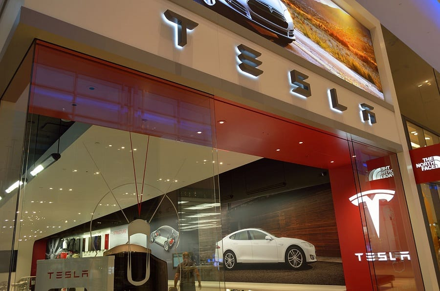 Tesla to build world's largest battery system