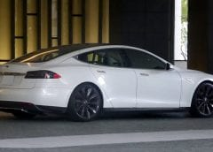 Hydrogen Fuel - Image of Tesla Model S