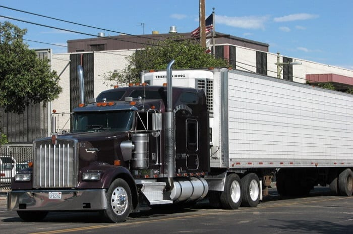 Kenworth showcases its new truck powered by hydrogen fuel
