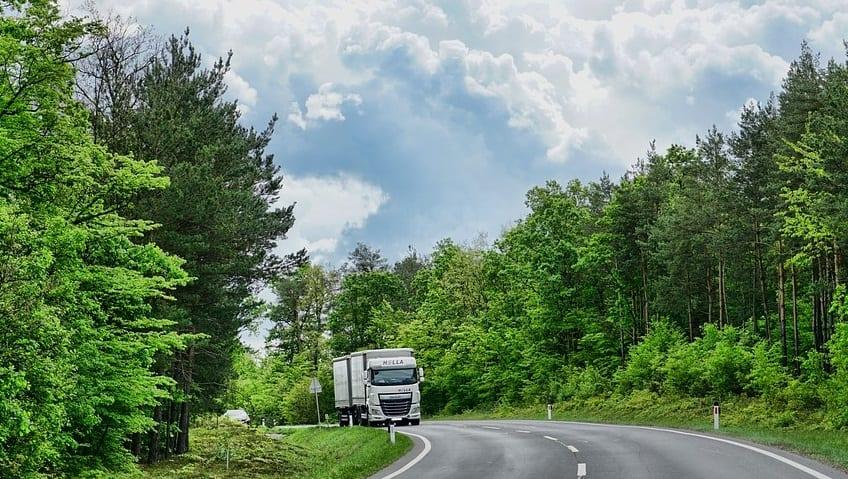 Fuel Cell Trucks - Truck on Raod