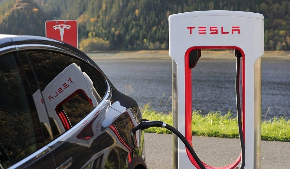 Mobile EV fast charger - Tesla EV at charging station