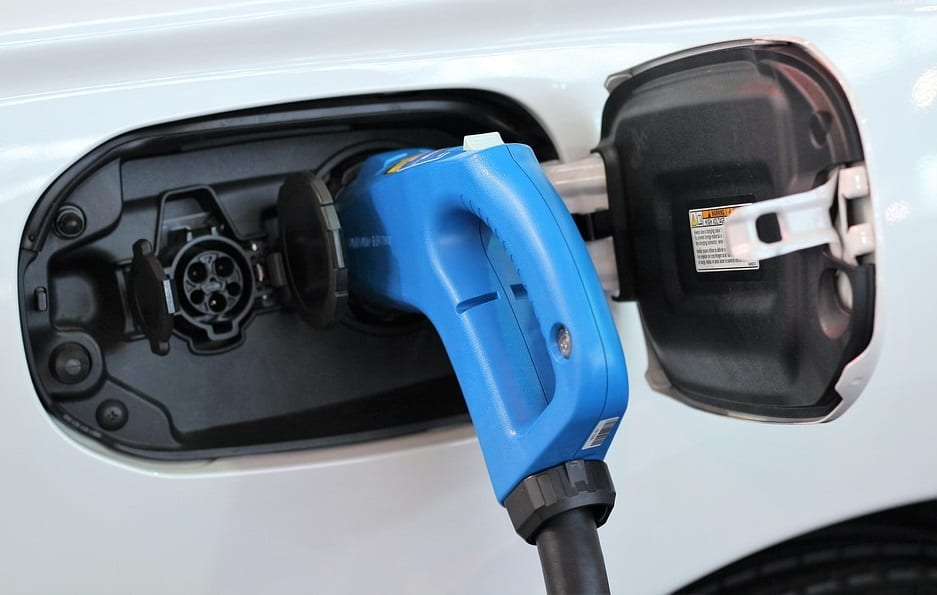 "Researchers develop ""climate-immune"" electric car battery"