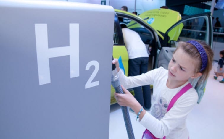 Public hydrogen stations - H2 station - little girl
