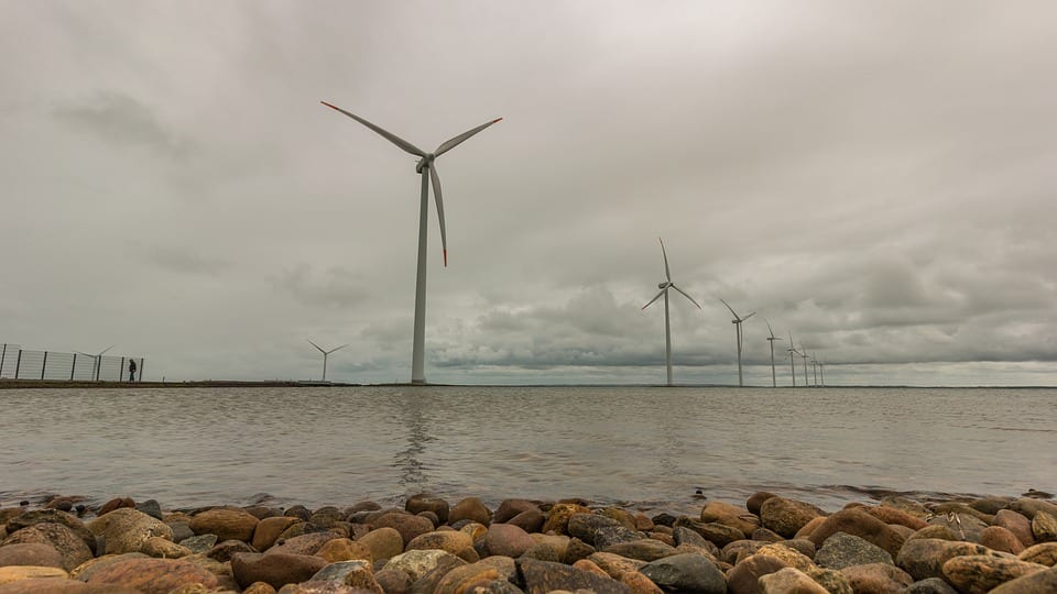 Offshore wind farm - Wind turbines on water