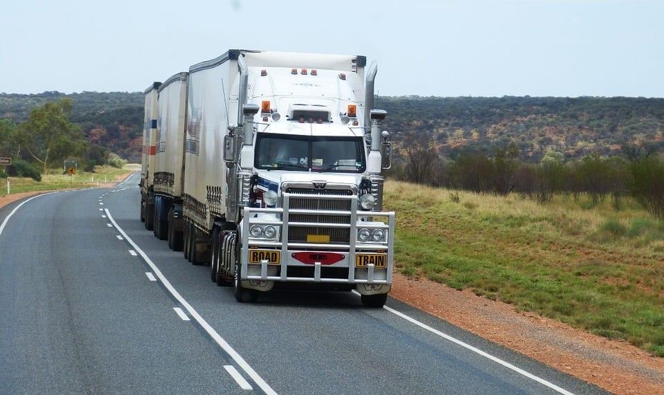hydrogen fuel cell truck - Truck on road