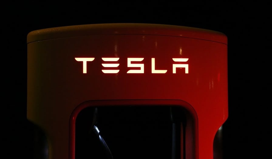 Tesla slashes solar power systems prices as it hope to appeal to customers