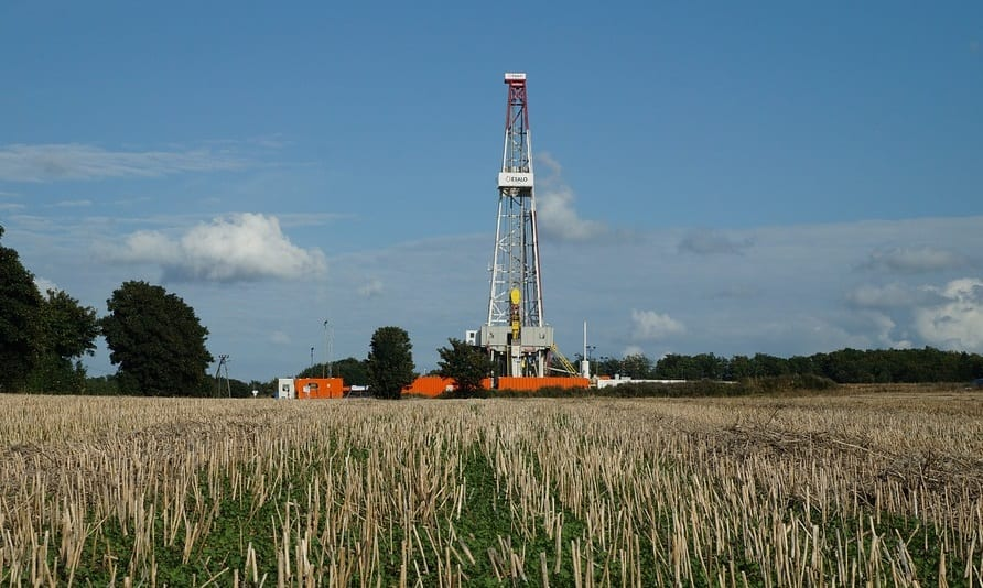 UK fracking site - Drilling Rig