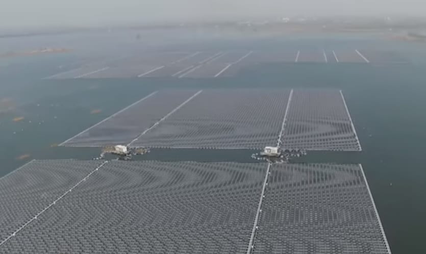 Floating Solar Energy - Solar Panels floating on water in China - YouTube