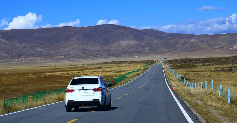 hydrogen fuel industry - car on road in China