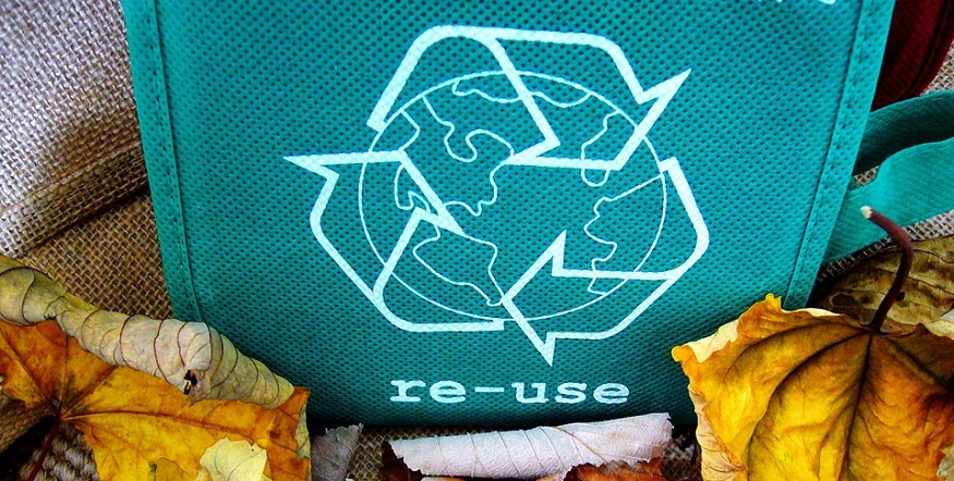 New methanolysis circular recycling technology could help tackle plastic waste problem