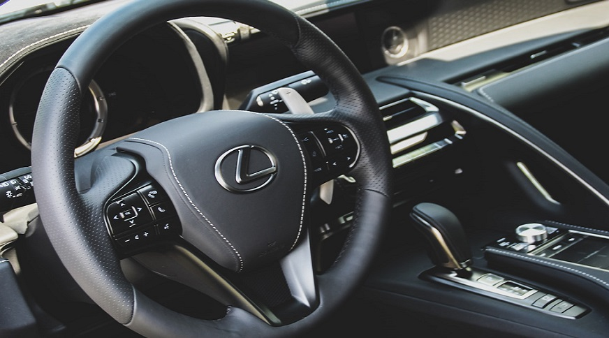 Images of rumored Lexus LS hydrogen fuel car surface on the web