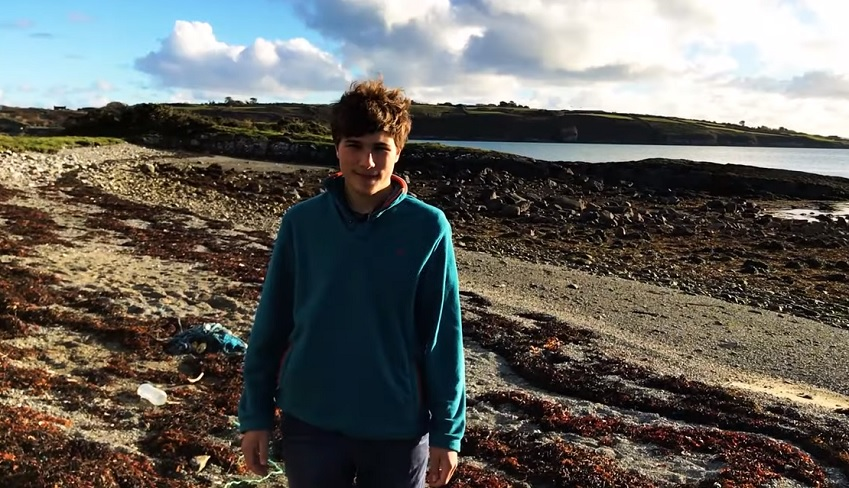 Teen develops innovative method for extracting microplastic pollution from water