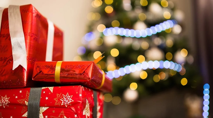 Eco-friendly Christmas practices can reduce the carbon footprint of participants