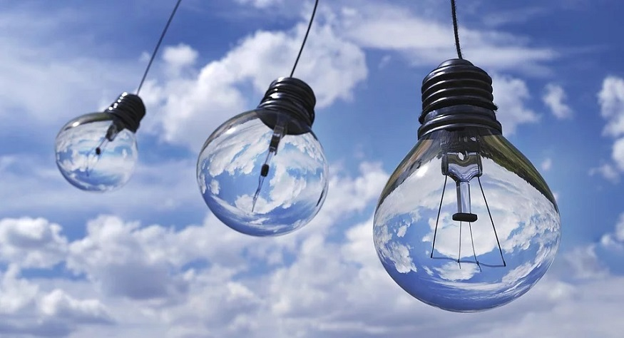 liquid air energy storage - light bulbs and sky