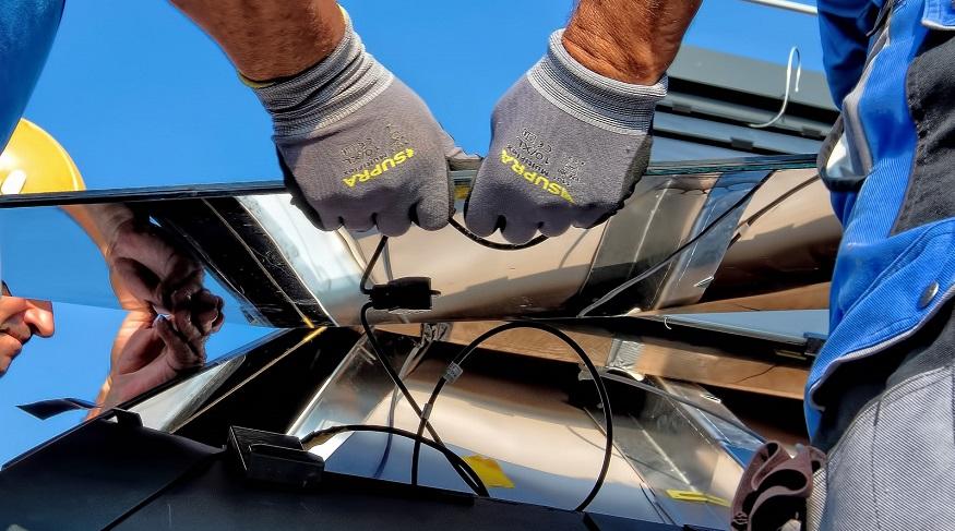 Solar panel waste - Installing solar panels