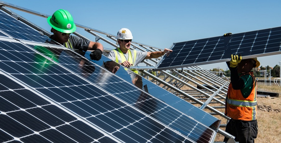 US solar installations benefit boosts energy industry employment