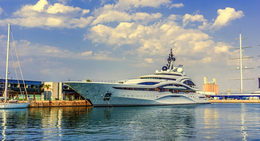Did Bill Gates really buy a hydrogen fuel powered superyacht for $644 million?