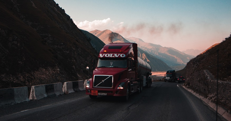 Volvo and Daimler work together on heavy duty truck fuel cells