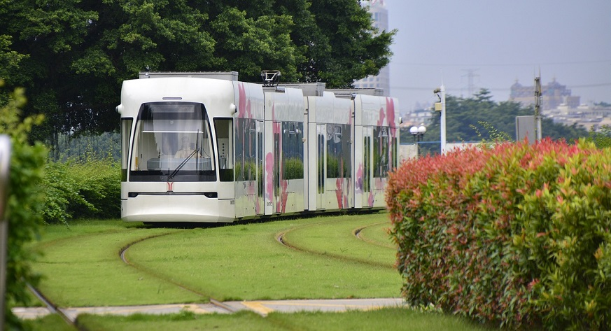 China develops its first hydrogen powered tram for passenger transport