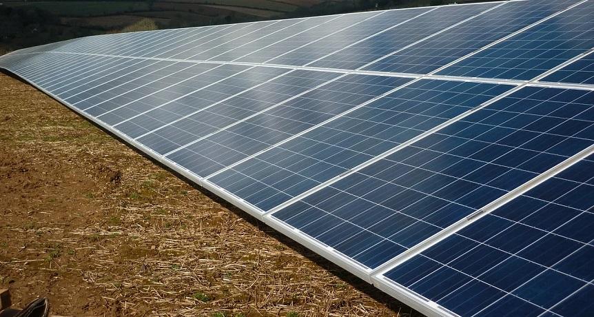 Utility scale solar farm - Solar Farm - Solar Panels
