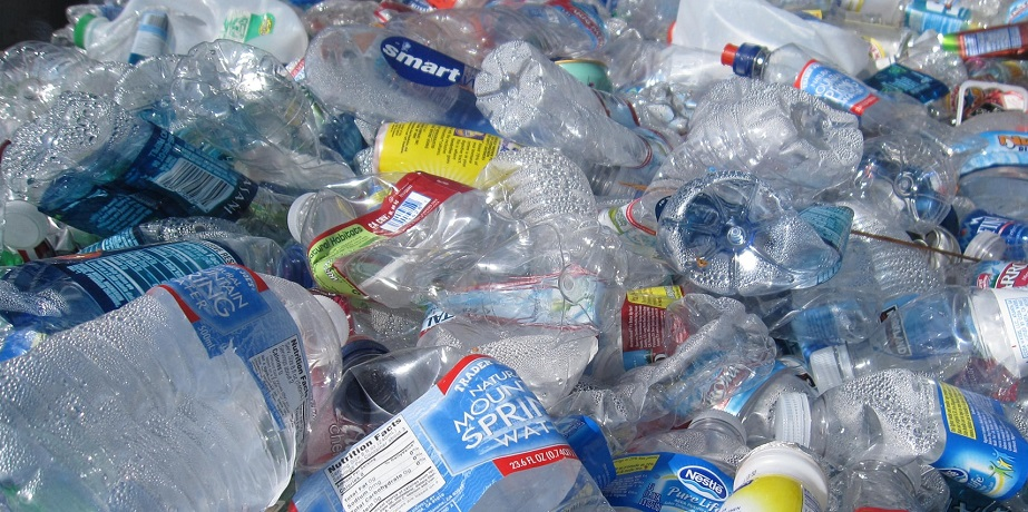 Chemical recycling causes too much carbon loss to be the plastic solution