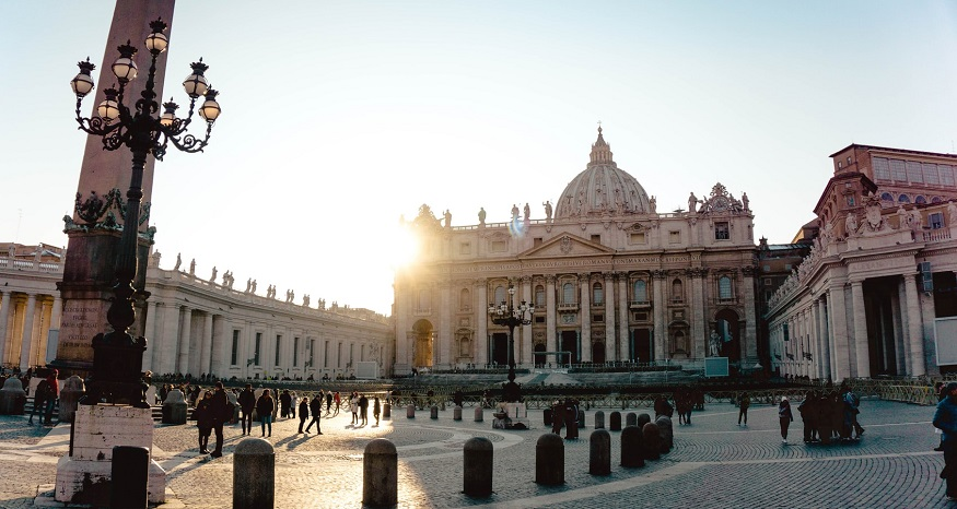 Vatican urges Catholics and private sector away from fossil fuel producers