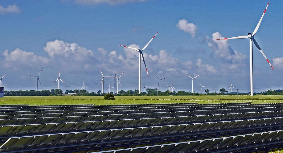 US renewable energy provided 100% of new power generation capacity