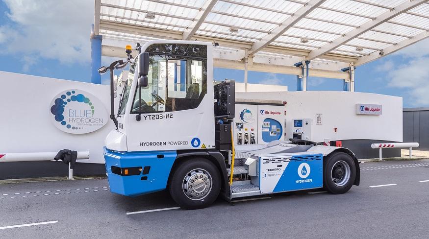 Hydrogen fuel terminal tractor - Terberg Hydrogen Tractor