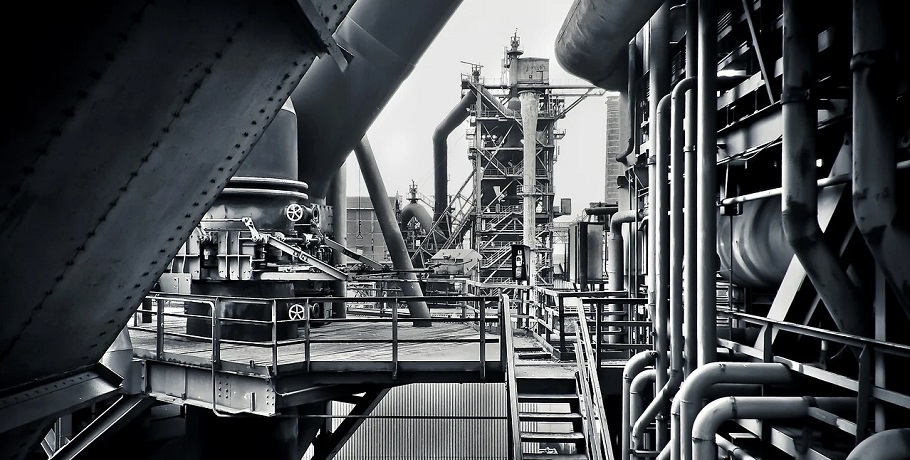 Steelmaking technology - image of steel mill
