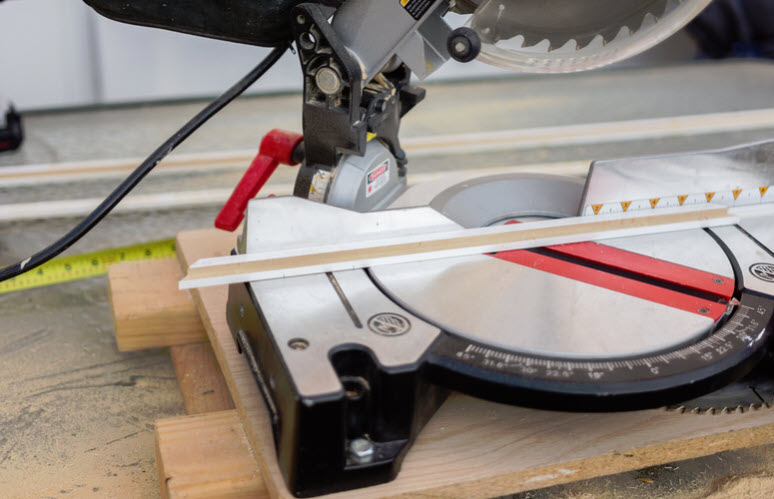 Best DIY Time: How to Choose a Miter Saw