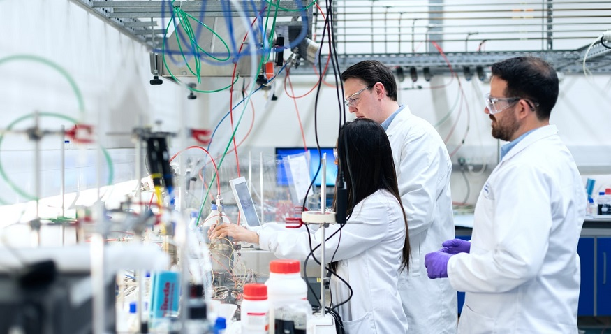 Catalysis research laboratory - researchers working in lab
