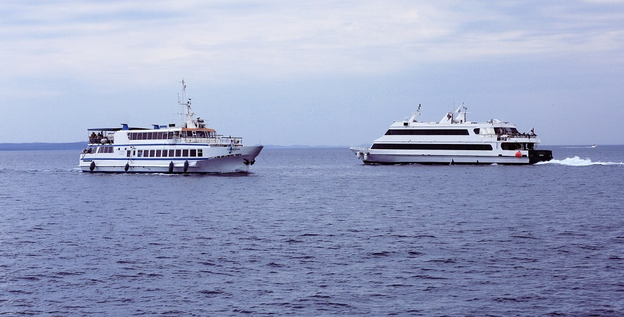 Hydrogen fuel cell ferry - image of ferries on water
