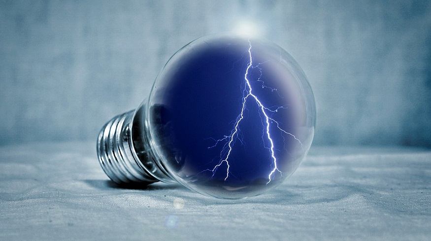 Bloom Energy Fuel Cells - Artistic image of light bulb with lightning