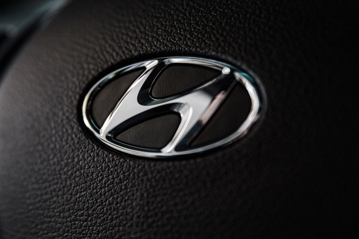 Fuel cell separators - Hyundai logo