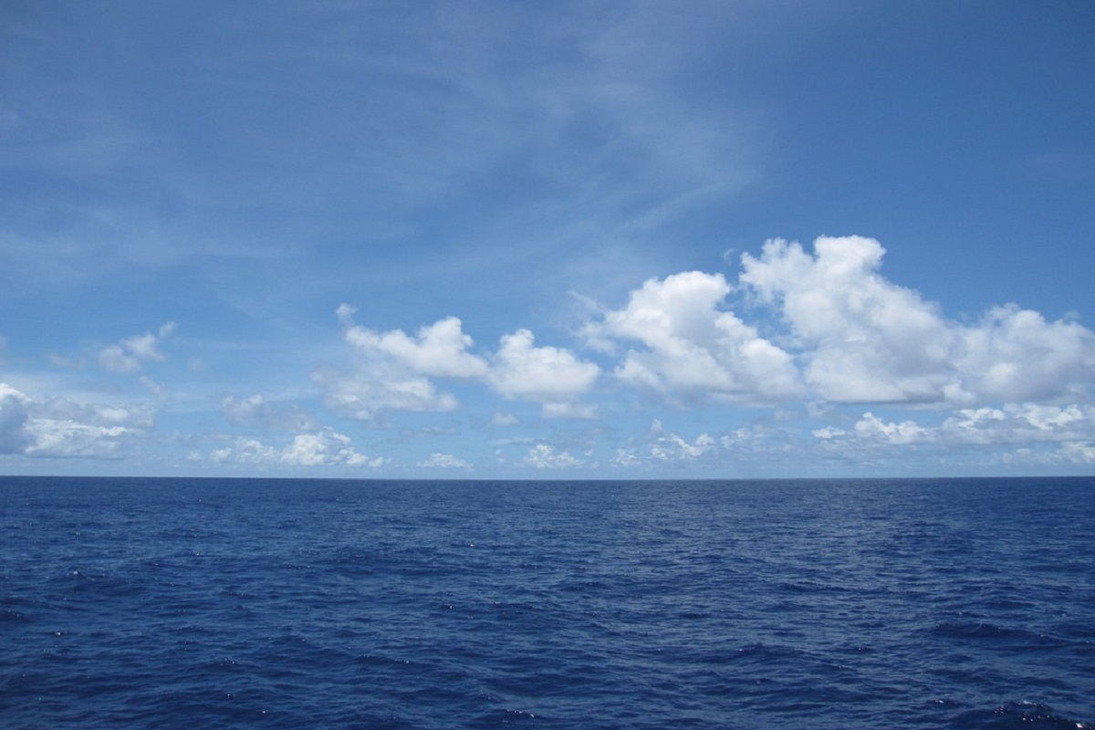 Hydrogen fuel from seawater - blue sky and ocean