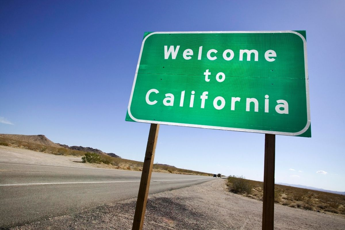 Hydrogen stations - Welcome to California sign