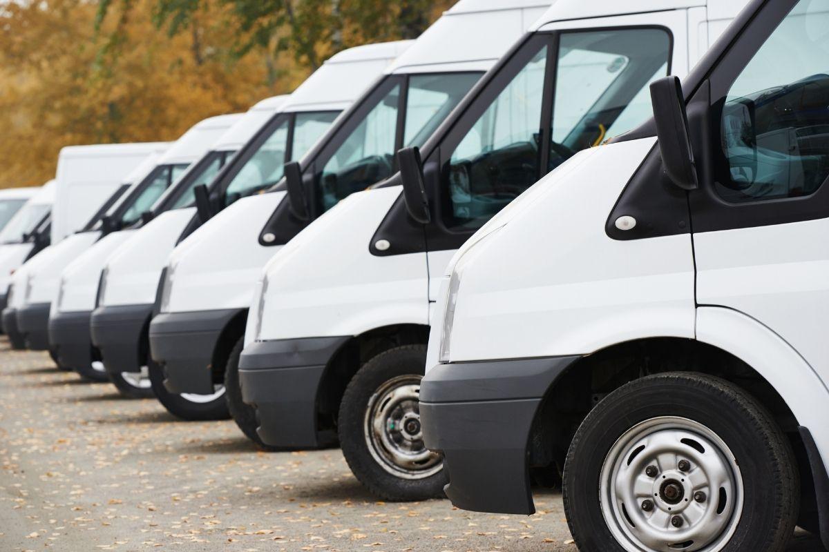 Hydrogen tow trucks - fleet of vans