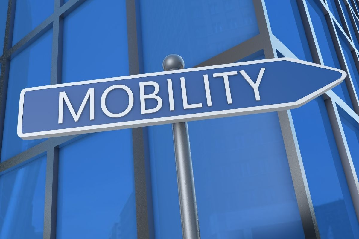 Fuel cell system plants - Mobility street sign
